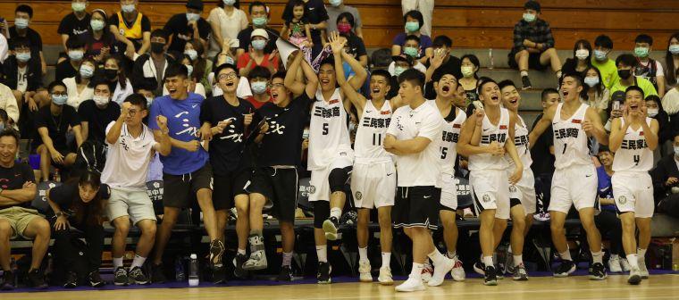 三民喜慶睽違4年後重返12強預賽、首晉隔壁的高雄巨蛋。大會提供