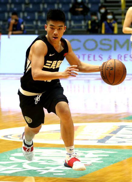 三民李宥騏23分、12籃板「雙十」。大會提供