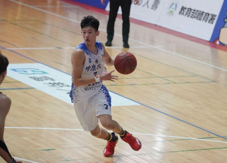 中原劉光尚17分13籃板。大會提供