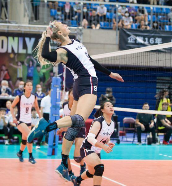 中國人纖Miroslava攻擊。中華民國排球協會提供
