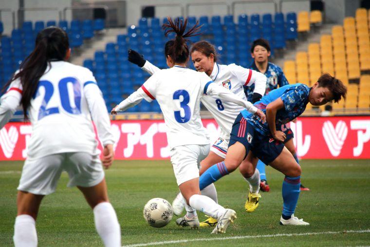 中華隊採防守反快攻戰術仍不敵亞洲杯冠軍日本。全國足協提供