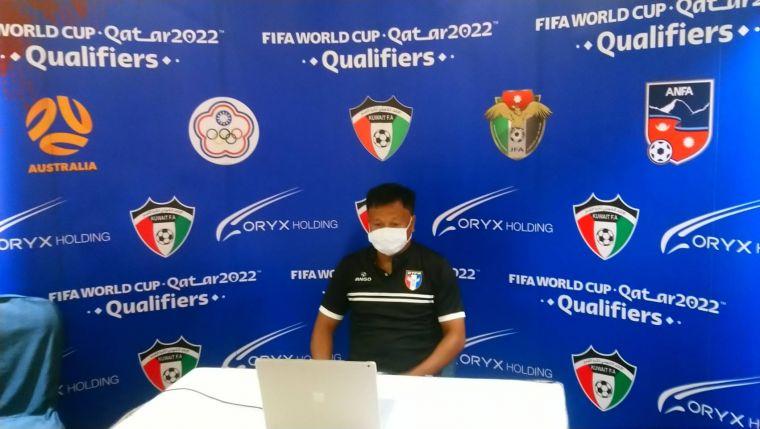 台灣隊王家中教練以視訊方式參加賽前記者會。足協提供