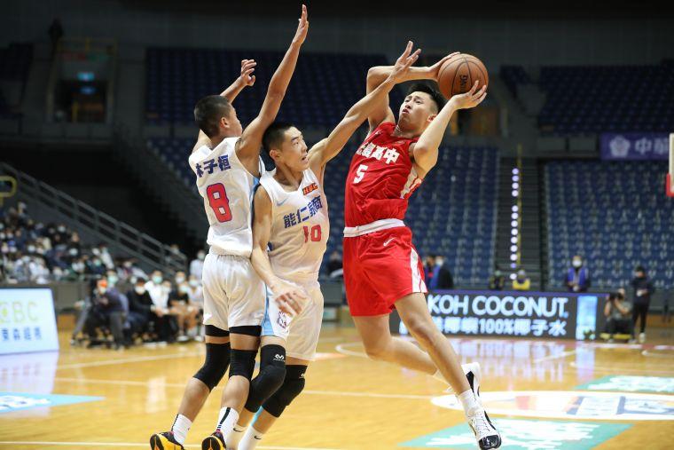 光復旅美小將陳將双 三分球6投4攻下27分、8籃板、7助攻、5抄截。大會提供