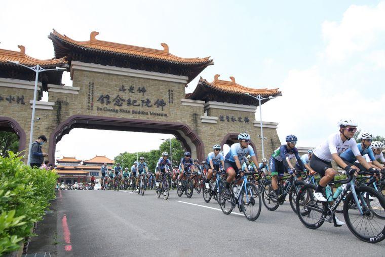公路菁英排名賽出發畫面。中華民國自由車協會提供