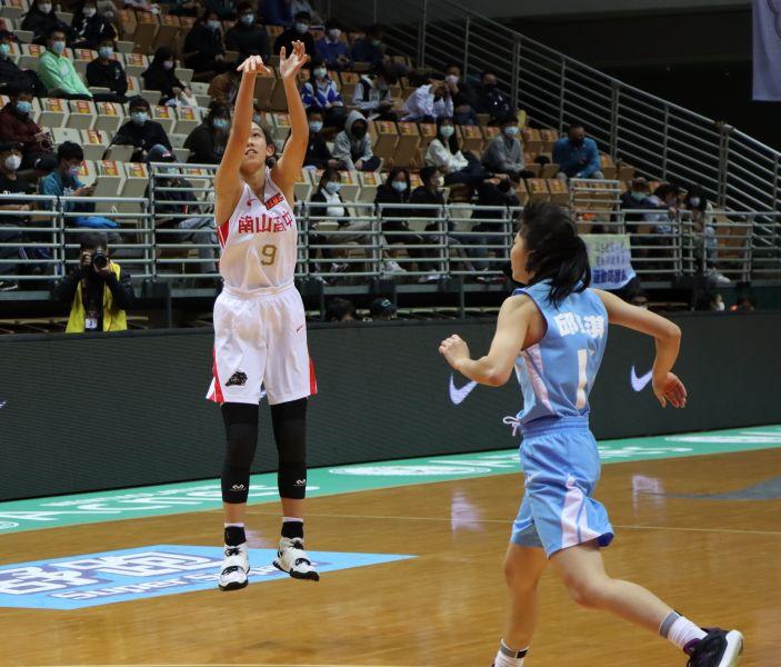 南山劉芳瑜三分 球18投中7轟進25分,生涯雙新高。大會提供