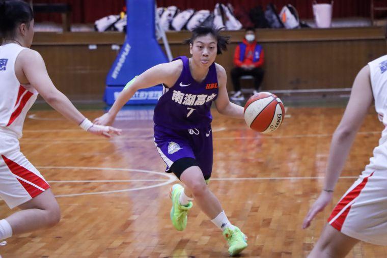 南湖林紫彤17分、11籃板,生涯首度「   雙十」。大會提供