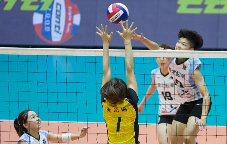 台電女排 黃芯瑜攔網繳出好成績。中華民國排球協會提供