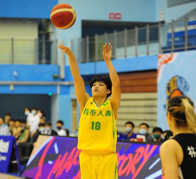 國泰羅蘋獲選最佳第六人。中華籃協提供