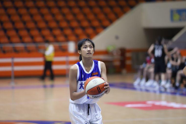 大倫「一姊」米靖恩20分、13籃板、10助攻「大三元」。大會提供