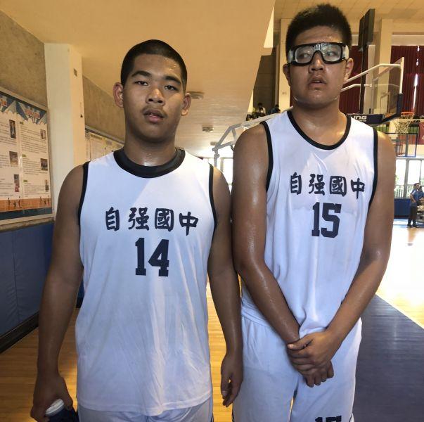 太魯閣「新眼鏡俠」廖家齊(右)搭趙家祥(左),自強新賣點。大會提供