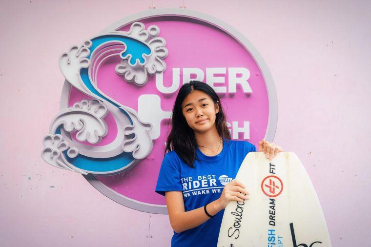 女兒陳宥蓁Jocelyn榮獲Juniors Wakesurf組第四名。台北市滑水協會提供