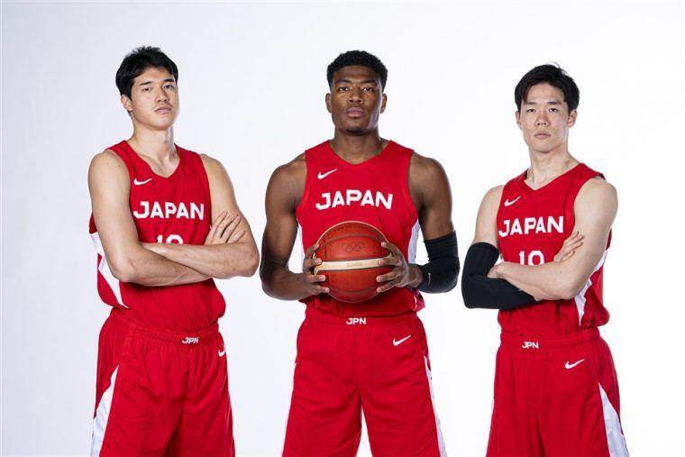 左起,渡邊雄太、八村壘、馬場雄大。(取自FIBA官網)