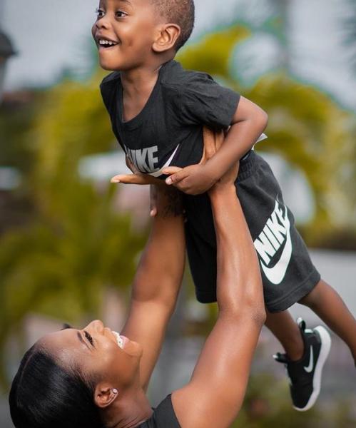普萊絲常在IG上貼與兒子互動的照片。摘自普萊絲IG