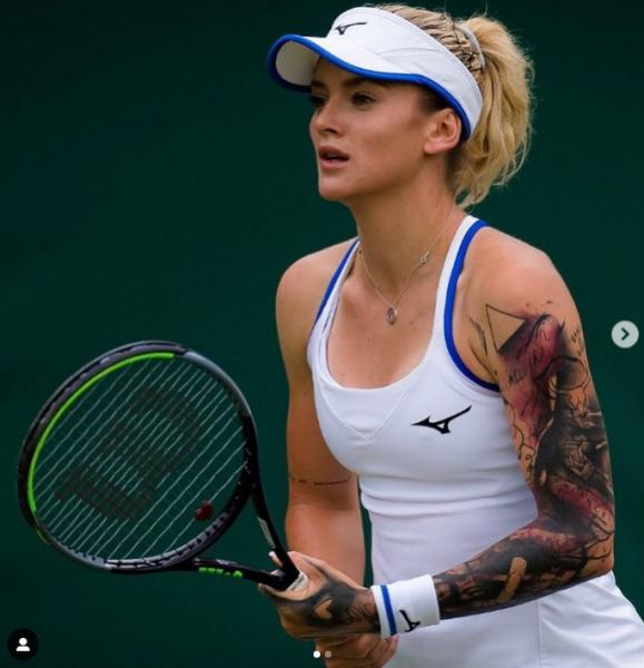 瑪汀可娃(Terza Martincova)的左臂刺青相當顯眼。摘目瑪汀可娃IG
