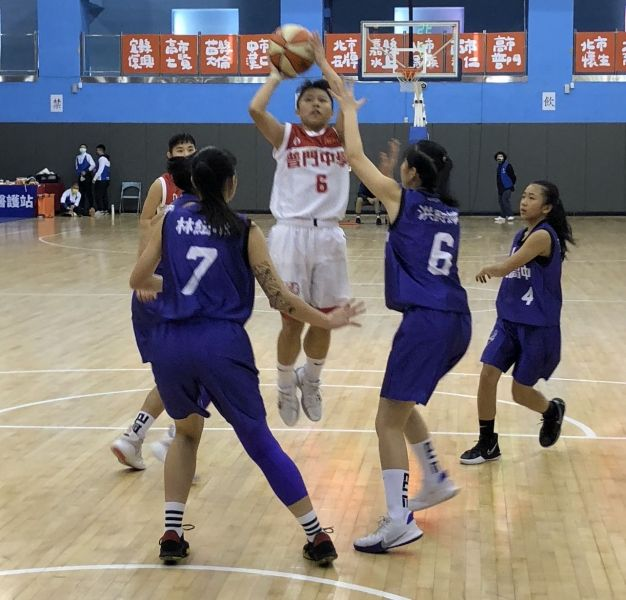普門「一姊」陳妤瑩三分球17投中7,再飆33分。大會提供
