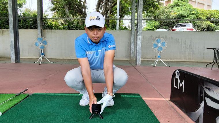 曾拿下TPGA錦標賽三連冠的高球好手洪健堯表示,Approach R10規律地紀錄我的擊球數據,可作為調整高爾夫球具的精準依據,大幅提升練球效率。官方提供