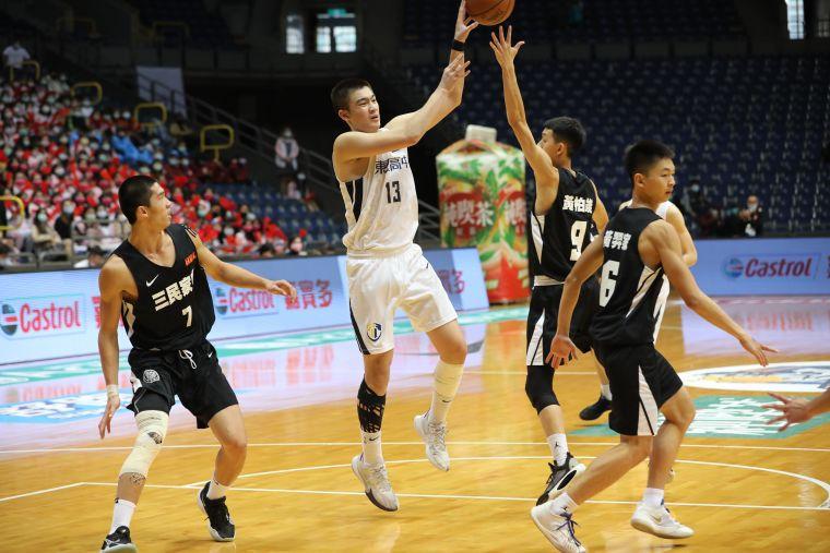 東泰黃偉程23分、9籃板。大會提供