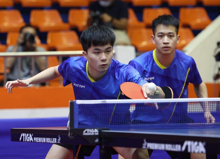 林昀儒(左)廖振珽摘下全運金牌。李天助攝