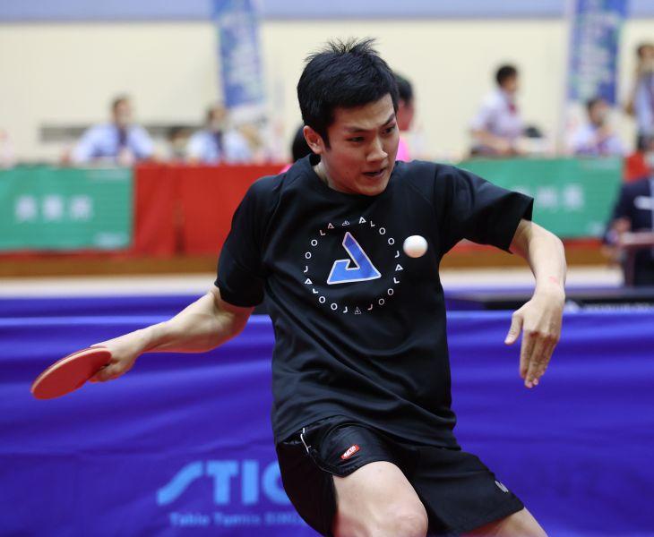 台南楊子儀意外擊敗桌球教父。李天助攝