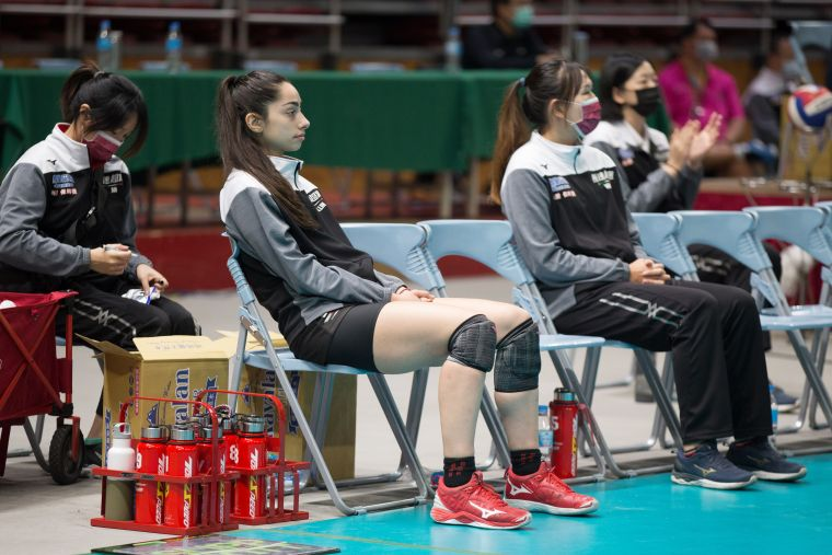 極速超跑 第一局後Cika因脛骨不適休息。中華民國排球協會提供
