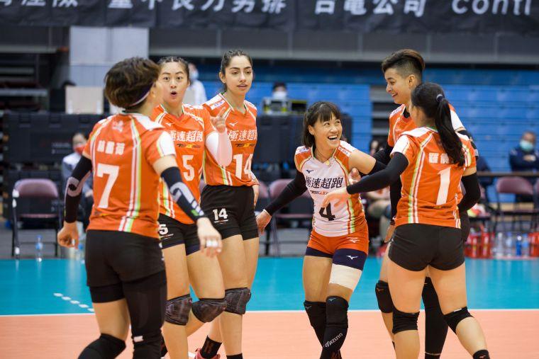 極速超跑得分後歡呼。中華民國排球協會提供