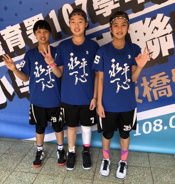 永平畢業後將拚JHBL甲級的葉侑璇(右起)、陳禹捷、與賴昀。大會提供