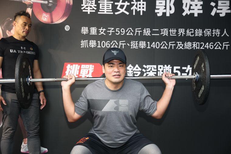 活動現場邀請台灣人氣Youtuber「蔡哥」為訓練愛好者示範全台最強UA訓練貨櫃關卡。大會提供