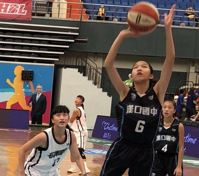 漢口鄒沛宸預賽場均20.6分、10.8籃板、3.8助攻、3.8抄截全方位。大會提供