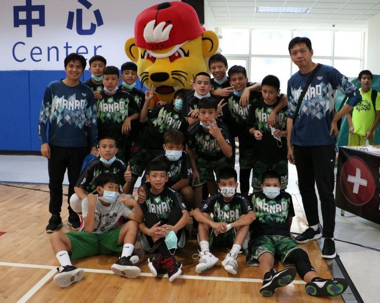甫獲第53屆全國少籃賽冠軍的宜蘭南澳男籃也是本季EBL的熱門之一。官方提供