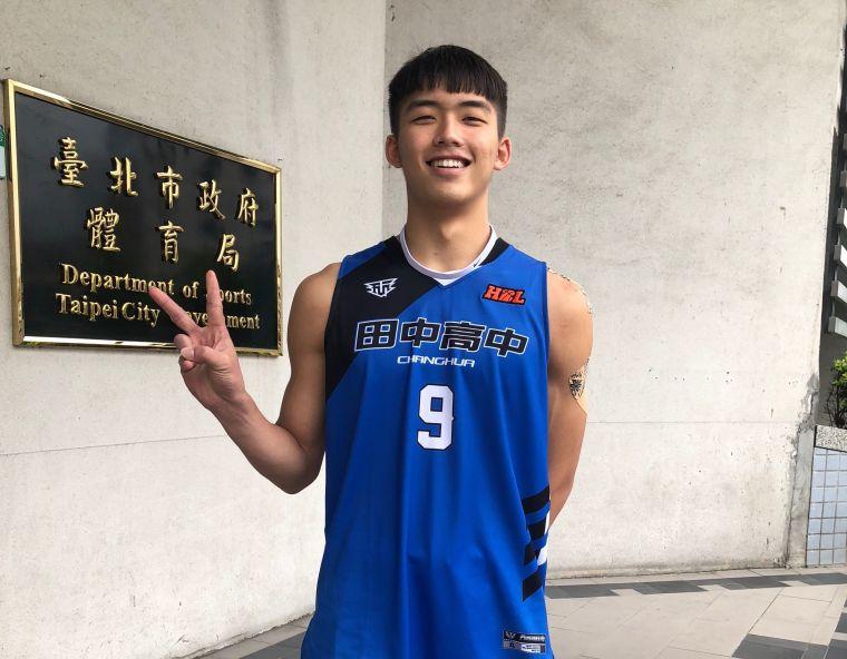 田中主控劉建群場均12.5分、6.8籃板、6.3助攻身手全次位。大會提供