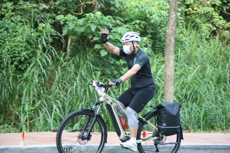 美利達副總騎乘eBT電輔車。官方提供