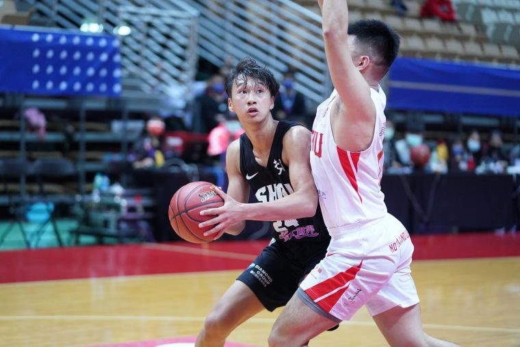 義守蘇文儒13分14籃板。大會提供