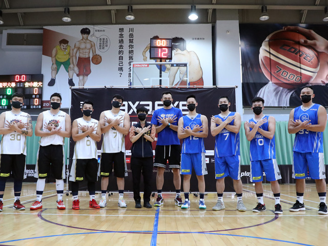 臺中市運動局競技運動科林宜萱科長蒞臨開球。官方提供