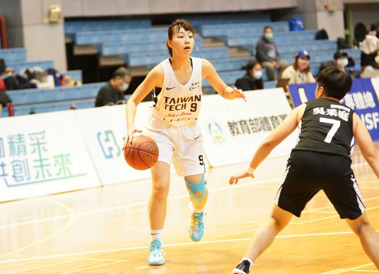 臺科陳芷英20分14籃板。大會提供