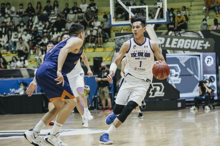 攻城獅Energy Guy蕭順議在家鄉台中主場攻下14分5籃板佳績。官方提供
