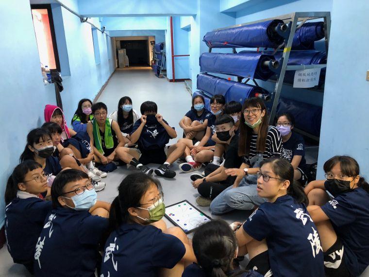 跳高金牌教練裴若宇帶武陵女籃有成。大會提供
