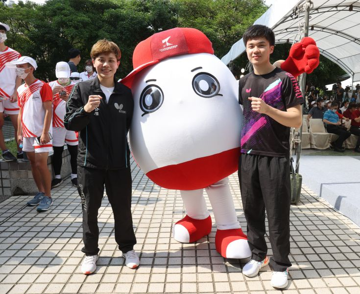 東京奧運國手林昀儒與鄭怡靜,不僅報名參賽本屆全大運,也特別出席記者會。李天助攝
