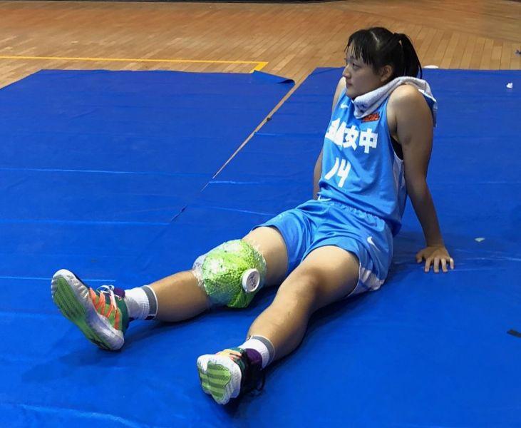 金甌中鋒張婕柔右膝傷退。大會提供
