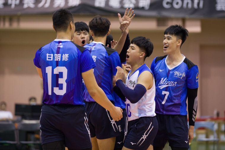 地主雲林MIZUNO 激戰五局拿下勝利。中華民國排球協會提供