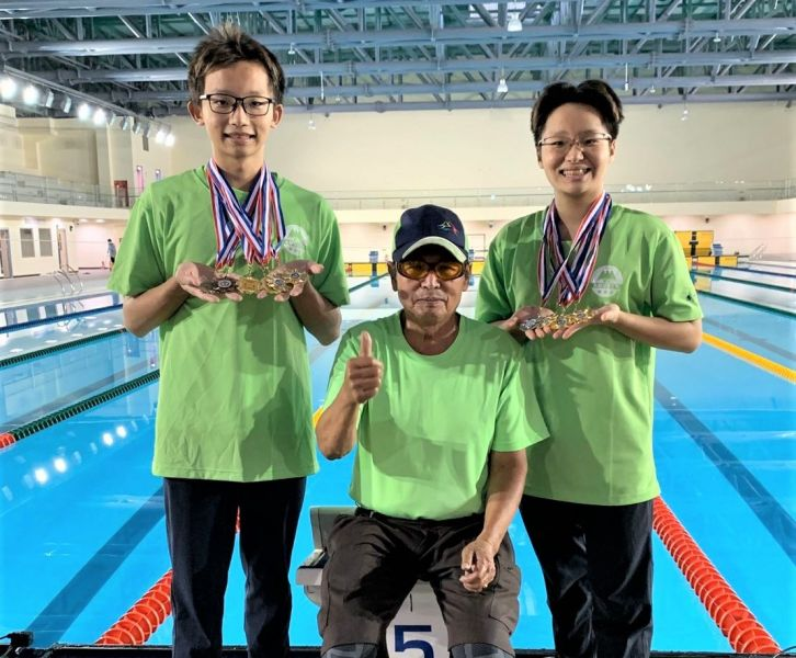 高齡78歲的東山高中教練王哲獲運動精神獎。台中運動局提供