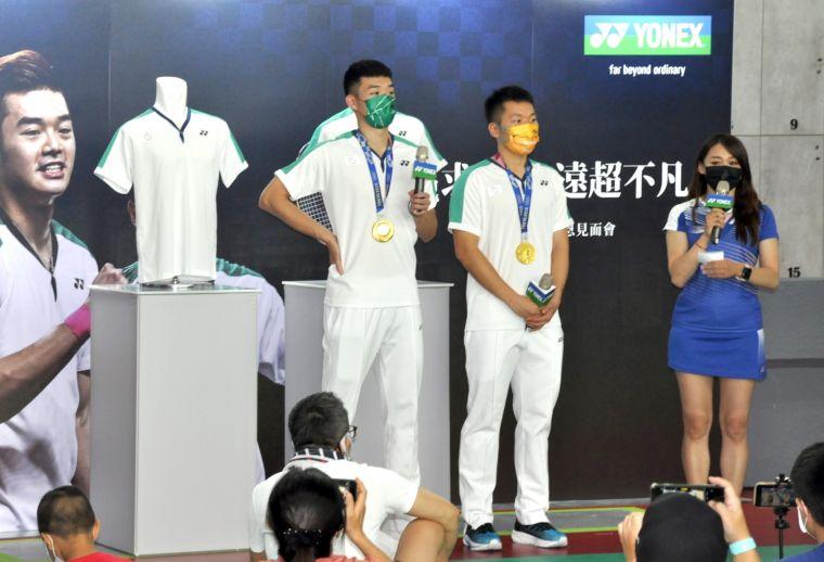 王齊麟、李洋奧運返台首次出席贊助品牌之公開見面會。黃士綸/攝