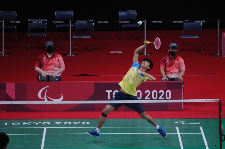 羽球選手方振宇出戰男子單打SU5級小組賽第3戰。體育署提供