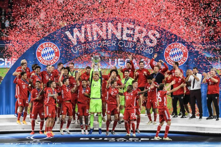 拜仁慕尼黑逆轉勝塞維利亞,奪下歐超盃冠軍,本季的第4冠。(法新社)