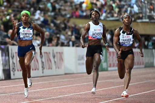 「最速媽媽」牙買加名將普萊斯(右)奪金。法新社
