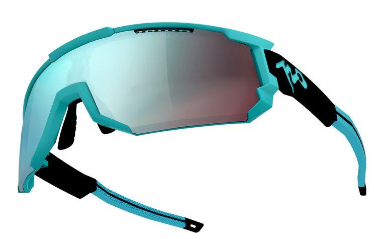 720HiColor運動眼鏡造型超炫。720armour運動眼鏡/提供。