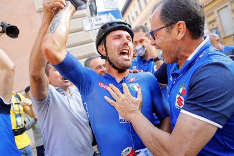 為義大利完成4連霸壯舉,奪冠後的恐怖雷力激動慶功。Bettiniphoto提供