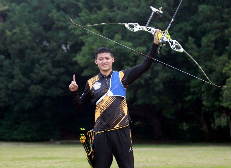 協會青年隊湯智鈞在世界杯上海站拿下雙金。中華企業射箭聯盟/提供。