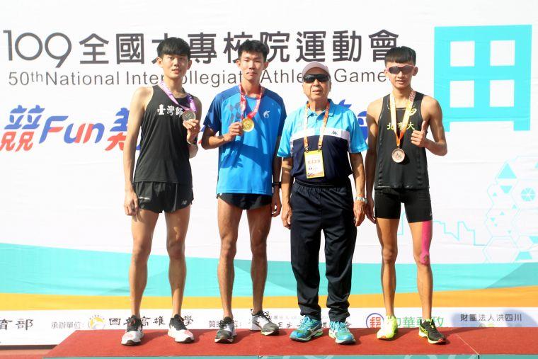 全大運公開男10000公尺前三名。林嘉欣/攝影。