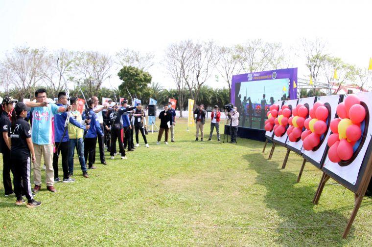 企箭三年在奇美博物館奧林匹亞草坪舉行開箭儀式。中華企業射箭聯盟/提供。