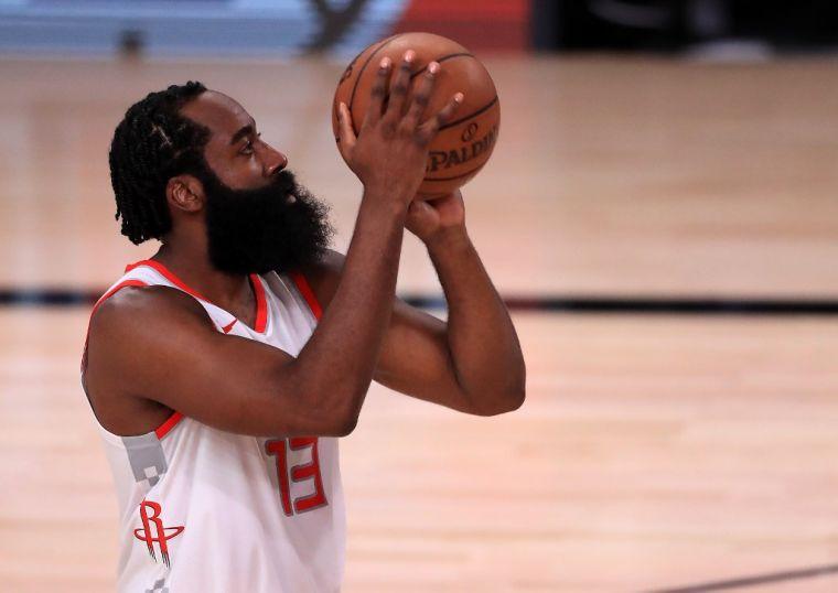 哈登希望被交易到籃網,與杜蘭特聯手爭冠。(法新社資料照)